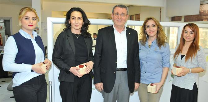 Murzioğlu'ndan kadın personele 8 Mart anısına hediye