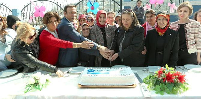 Canik'te Kadınlar Günü'ne renkli kutlama